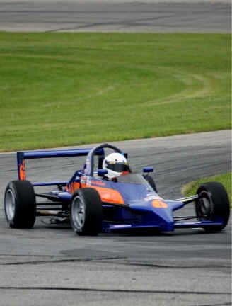 1989 reynard fc single seater racing in the glc series